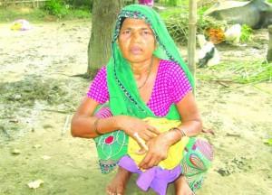 लाभ से वंचित महिला