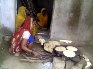 25-03-15 Kshetriya Karvi - MDM in Kaubra village web