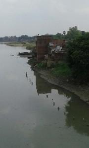 वरुणा नदी उफान पर