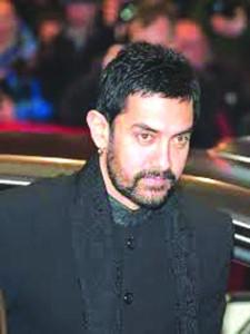 आमिर खान के बयान पर बवाल