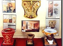 22-05-14 Mano - Toilet museum 1