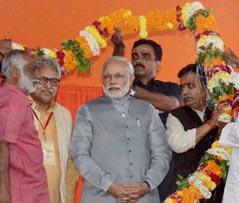 06-11-14 Kshetriya Banaras - Modi in Banaras (web)