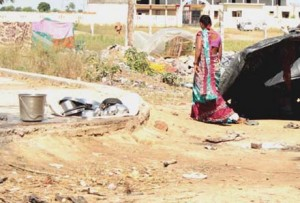 जैतपुर कसबे में कुछ लोगों के मकान भी नहीं हैं