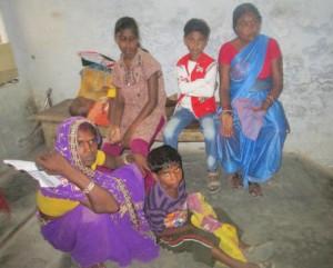 10-06-15 Sheohar - Hospital mein Pyaase log web
