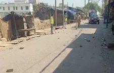 अलीगढ़- लॉकडाउन का पालन कराने गई पुलिस पर हुआ हमला
