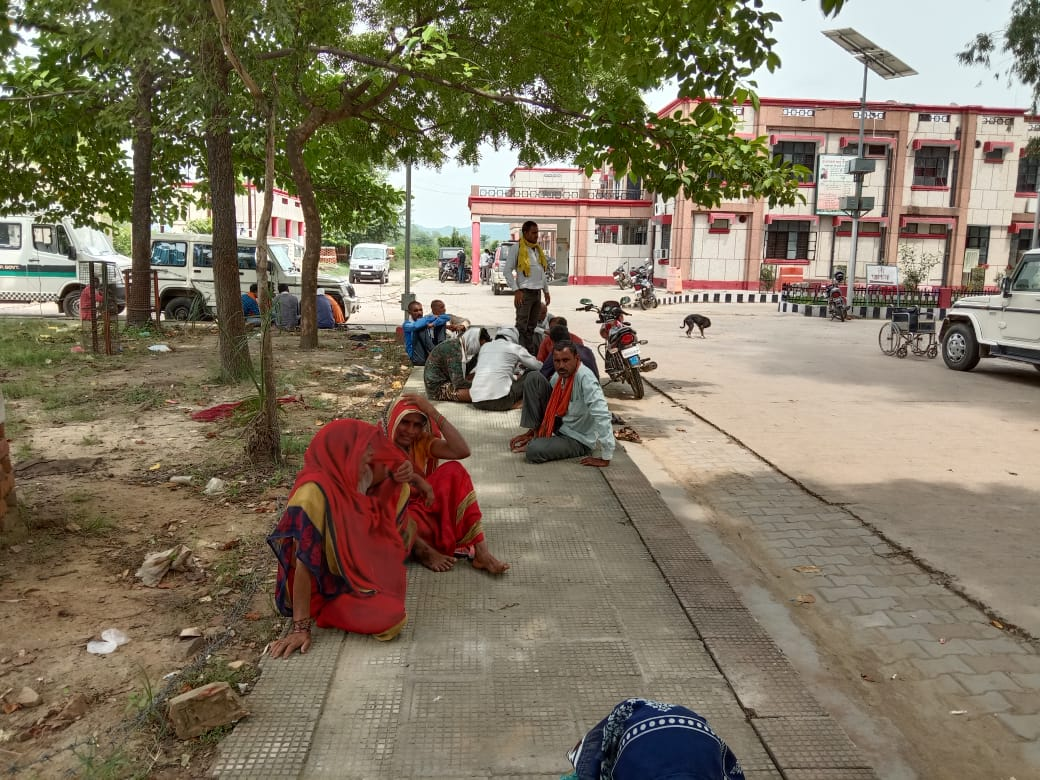 In Chitrakoot District Hospital, patients are craving every drop of water