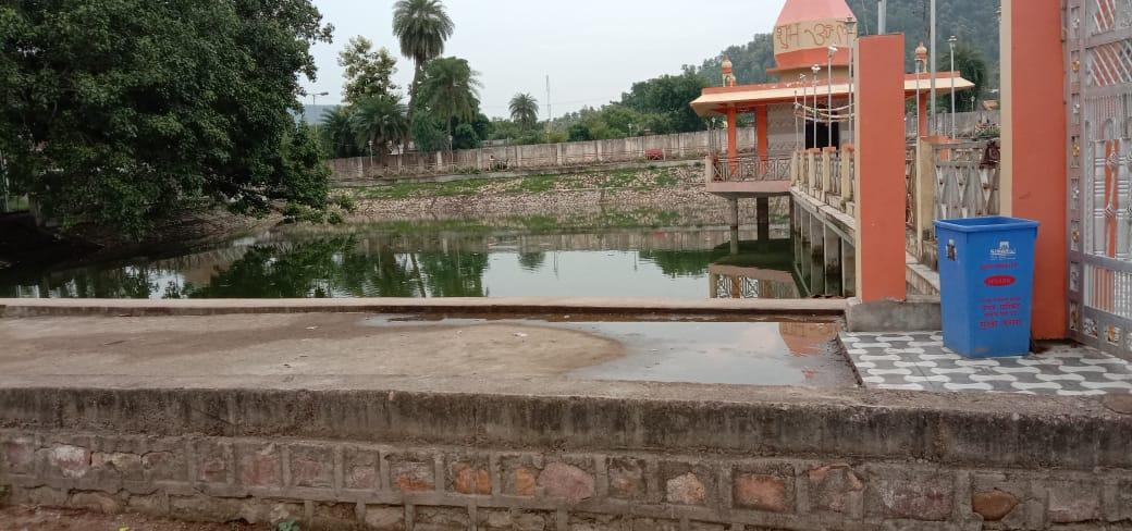 17-year-old youth dies due to drowning while bathing in small pond