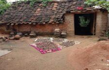 आदिवासी बस्ती में आवास