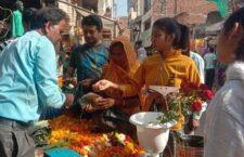 market during karwachauth