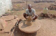 Earthern pot making