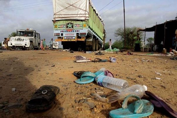 Truck crushed migrant laborers sleeping on the roadside 15 workers died