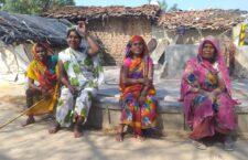 LIVE ललितपुर: गाँव की कई सालों से सफाई तक नहीं हुई, देखिये गाँव का हाल