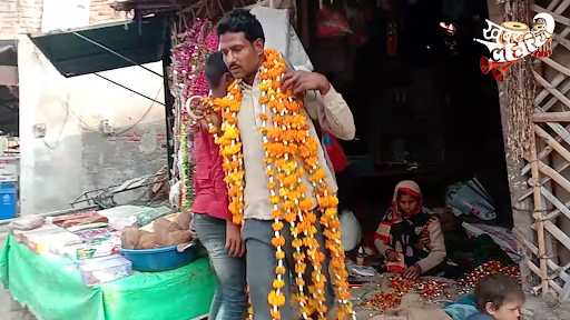 In Mahoba, Rakesh Saini has been decorating the cars of bridegrooms with flowers since 2013. It is a family affair, he says.