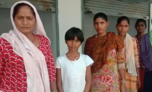 Launganiya and her family had come to Naraini, Banda from Lucknow for wedding season to work as pattal walas (vessel cleaners) but found themselves stranded with no work and no way home after the lockdown was enforced in March 2020