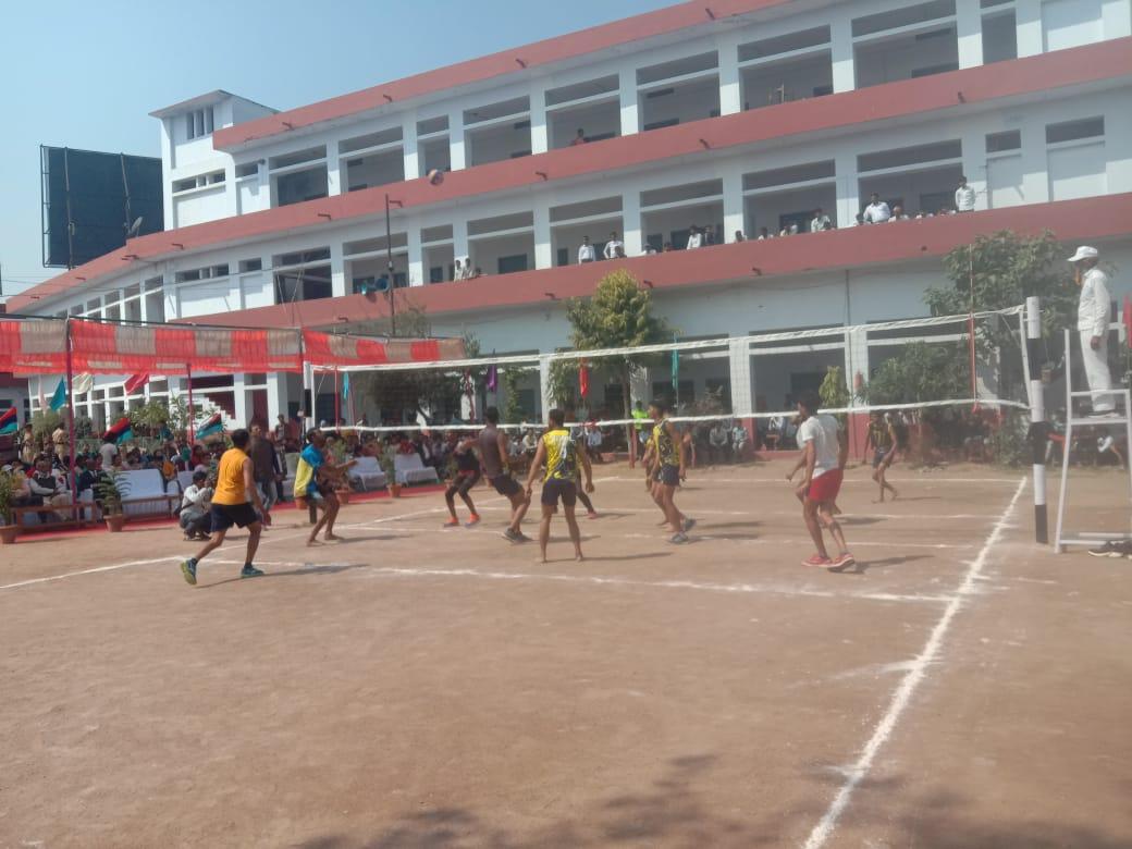 बाँदा: खेलकूद प्रतियोगिता में देखिए कौन कौन से खेल में छात्रों ने लिया हिस्सा