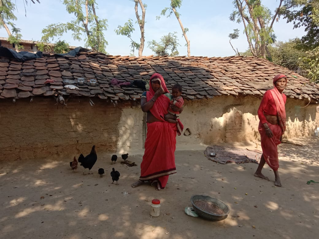 Tikamgarh-poor weather remains cold without roof