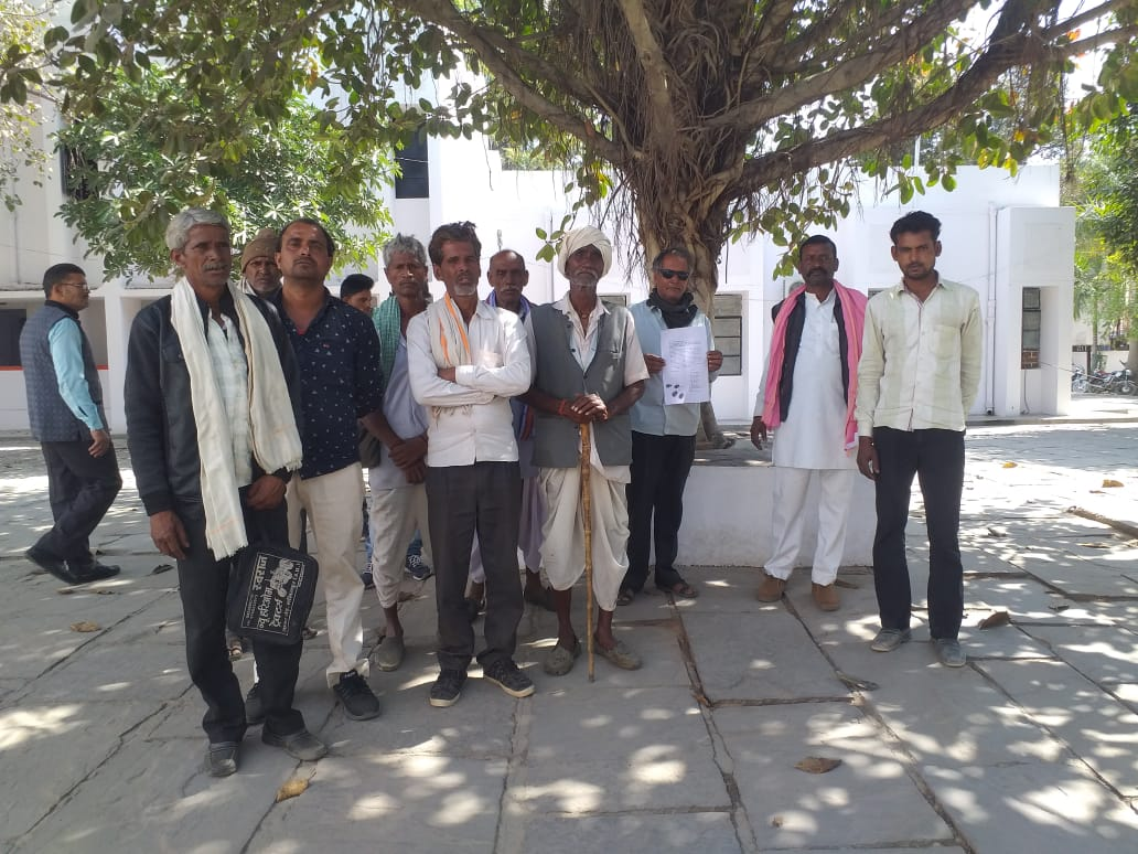 Farmers waiting for compensation in Kachnoda Dam land