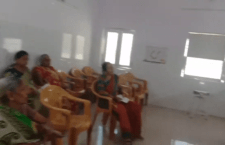 Special women are getting corona vaccine in Mahoba District Hospital on Women's Day