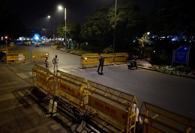 Night curfew will be imposed in UP from today
