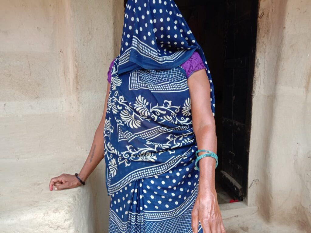 Is there a right way to be a woman? Image: Saraiya village, Manikpur, Chitrakoot.