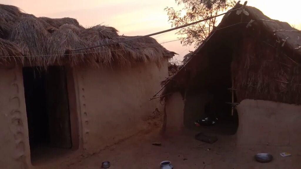 hut image by khabar lahariya