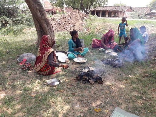 अंकरी बनाना खाना बुंदेलखंड का कल्चर | KhabarLahariya