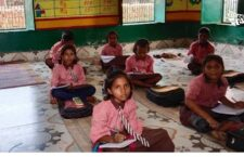 school childrens of up stydying without electricity